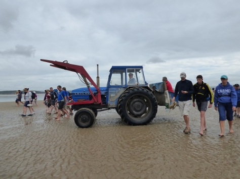 This image has an empty alt attribute; its file name is morecambe-bay-walk-043.jpg